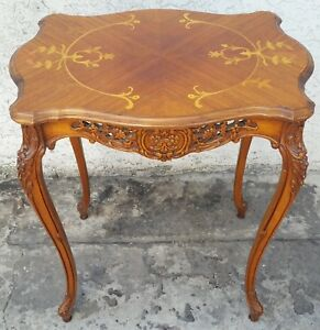 Vtg Fluted Walnut Carved French Inlaid Flower Side Lamp Table Pierced Apron La