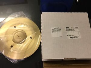 Hubbell Sf2725 Floor Box Combination Cover And Carpet Flange Brass brand New