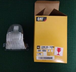 Cat Caterpillar Oem Clear Light Lens 228 6052 New In Box Perfect Condition