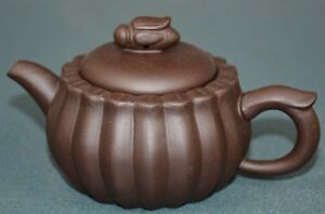 Fine Chinese Zisha Purple Sand Clay Teapot Finely Carved Natural Material Sk6182