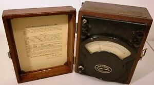 1943 Weston Microfaradmeter Model 372 Wood Box great un tested read