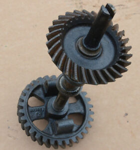 John Deere 720 730 Governor Gear And Pinion Gear Shaft Af3452r F3330r