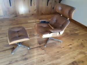 Vintage Charlton Company Eames Herman Miller Style Lounge Chair With Ottoman