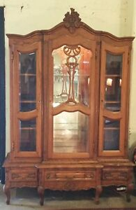 Vtg Country French Style Oak China Display Cabinet Louis Xv Los Angeles Area