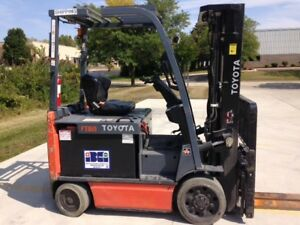 2011 Toyota 8fbcu30 6000 Lb Capacity Electric Forklift 187 Inch Lift 3 Stage
