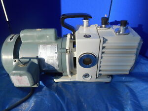 Leybold 898000 Model D2a Vacuum Pump