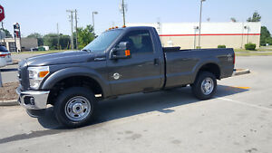 Set Of 4 Ford 2016 F250 4x4 Stock Wheels And Tires take offs