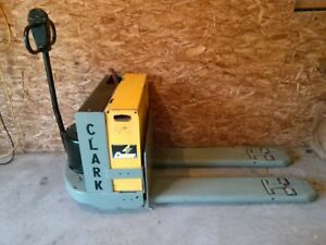 Clark 4 000 Lift Electric Pallet Jack With Battery And Charger