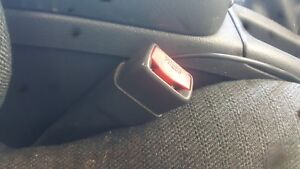 2004 Chevy Cavalier Right Pass Side Front Seat Belt Latch Buckle Oem 2000 2005
