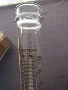 Corning Pyrex Glass 250ml Graduated Cylinder New Old Stock 3050