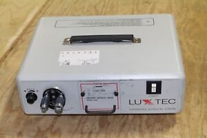 Luxtec Ultralite Surgical 9300 Xenon Light Source Working