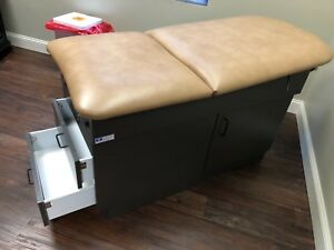 medical Equipmen Exam Table With Draw And Foot Stirrups