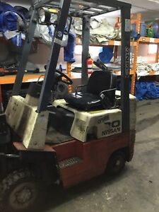 Nissan Cpj01a15v Forklift Triple Stage Gas 2500lbs Side Shift Fork Lift Out Door