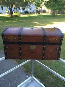 Antique Jenny Lind Stagecoach Trunk Steamer Trunk Wood Brass Iron Dome Top