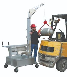 Forklift Propane Tank Loader Truck With 8 Pneumatic Wheels