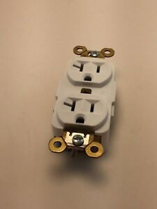 Box Of 10 White Hubbell Duplex Receptacles New Hbl5362w 20a 125v 3p