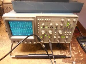 Tektronix Tek 2246 Oscilloscope 100 Mhz works clean 4 Ch W cover W 2 Probes