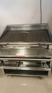 Magikitchn Charbroiler Ntl Gas W o Lower Rack Coal Style W castrs
