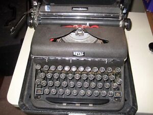 Royal Quiet Deluxe Portable Manual Typewriter W Case Key