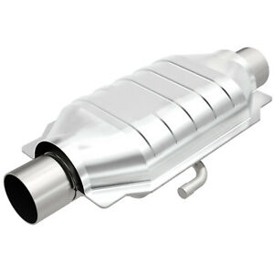 Magnaflow 94219 Weld on High flow Catalytic Converter Oval 3 In out W Air Tube