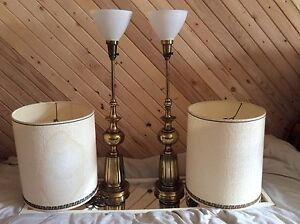 Stiffel Antique Brass Milk Glass Pair Lamps Exquisite Hollywood Regency