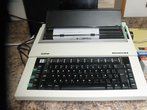 Typewriter Electric Brother Compactronic 60