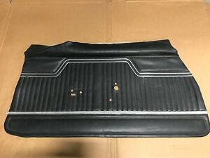 1970 1971 1972 Original Gm Black Door Panel Chevelle El Camino Survivor