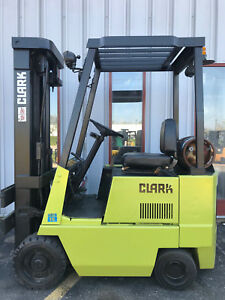 Clark Gcs15 3000lb Cushion Forklift Lifttruck