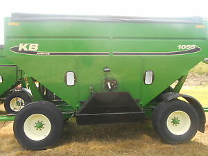 Killbros 1055 Gravity Grain Wagon 550 Bushels Hydraulic Brakes