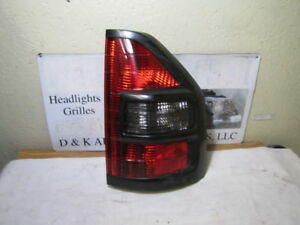 Mitsubishi Montero Limited Xls 2001 2002 Right Passenger Side Oem Tail Light