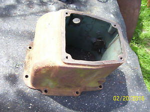 Vintage Oliver 77 Diesel Row Crop Tractor cast Iron Hydraulic Housing 1952