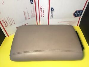 2003 2006 Ford Expedition Center Console Arm Rest Lid Armrest Wide Tan 03 06