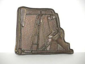 Vintage Scarce Oil Well Or Gas Pump Rig Bronze Table Medal C 1920 s 30 s