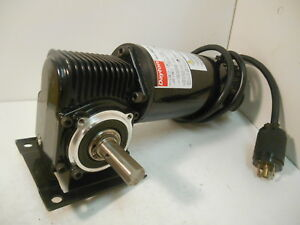 Dayton 3xa78 Dc Gearmotor 1 8 Hp 90 V 10 1 Ratio 180 Rpm 27 In lbs