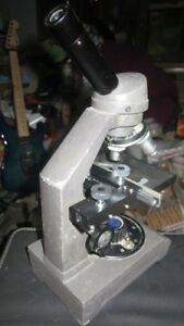 Swift Microscope Series 2240 3 Lenses 1 Eyepiece Mechanical Stage