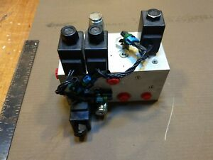 Parker 2 Spool Hydraulic Solenoid Directional Control Valve 12v Block Manifold