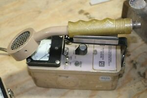 Ludlum Model 3 Geiger Counter With Probe