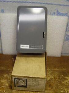 Honeywell S6005a 1014 Energy Management Programmable Timer 24 Hour Dial New