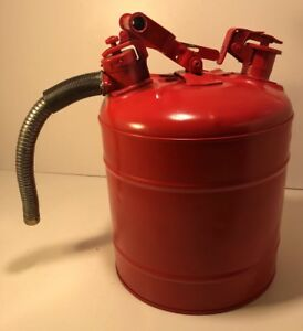 Justrite 5 gallon Safety Gas Can W Flex Spout Older Model Repainted