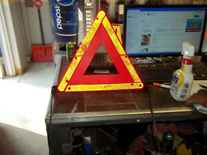 98 99 00 01 02 03 04 Audi A4 A6 Emergency Road Sign Reflective Triangle Caution