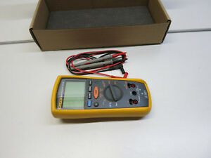 Fluke 1507 Digital Multimeter Insulation Resistance Tester
