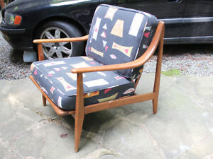 Beautiful Mid Century Modern Walnut Lounge Chair Danish Style Will Ship Hvidt