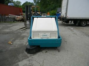 Tennant 6400 Ride on Floor Sweeper Scrubber 254 Hours Great Machine