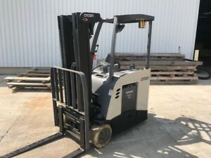 2014 Crown Rc5530 30 3000 Lb Capacity Stand Up Electric Forklift Only 4600 Hrs