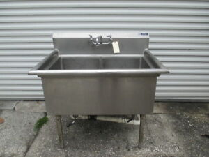 41 Wide Stainless Steel Two Bay Wash Sink 18 X 24 X 14 Reservoirs