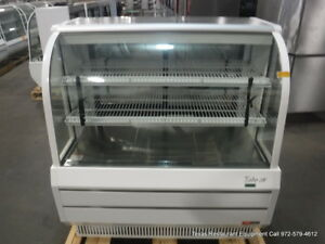 Turbo Air Tcbg48 w n 48 1 2 Curved Glass Refrigerated Bakery Display Case