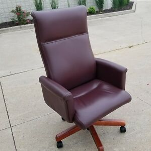 Steelcase Unused 711ns Executive Office Chair Leather Burgundy Msrp 1700 C Pic