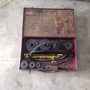 Enerpac Knock Out Set Has Hydraulic Pump But No Ram