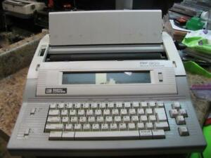 Smith Corona Pwp 1200 Word Processor Electronic Typewriter W Floppy Drive As Is
