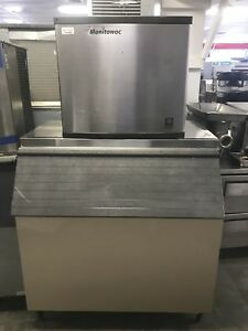 Manitowoc Half Dice Ice Machine Maker Air cooled Produces 800 Per Day Bin